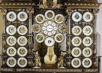 Старинные астрономические часы