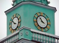 Часы на колокольне в городе Киеве