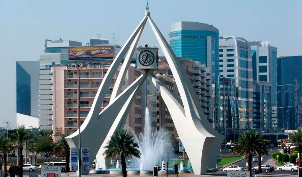 Часовая башня Дубай