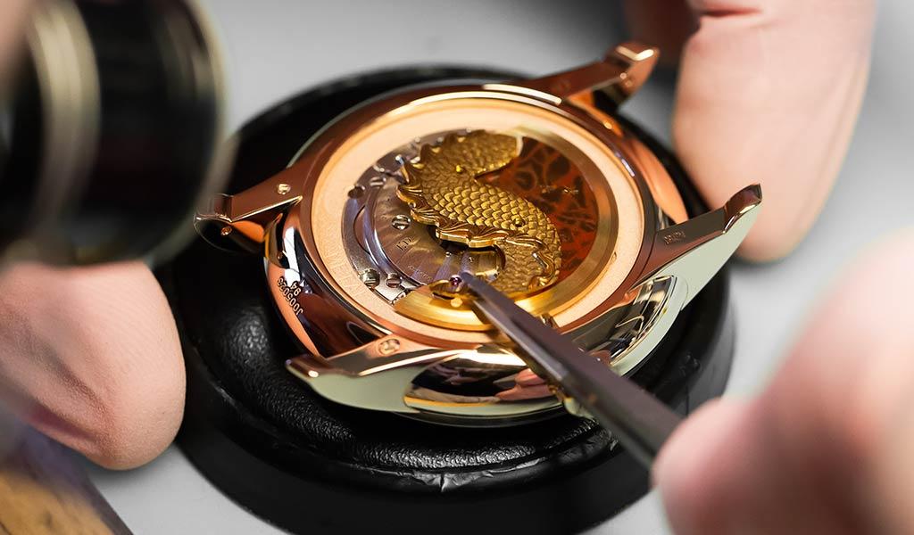 Новые часы Petite Heure Minute Relief  Dragon