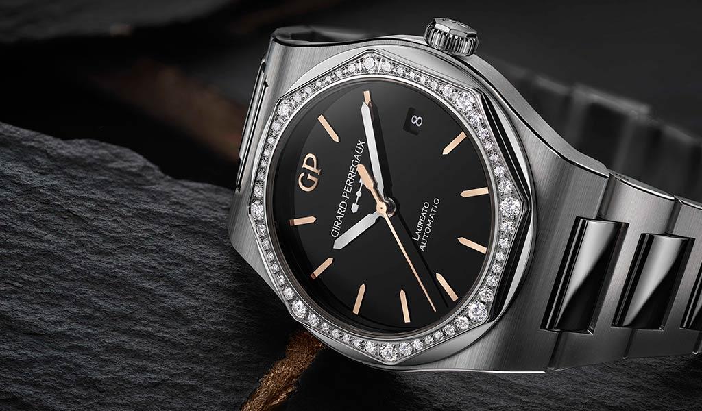 Новые наручные часы Laureato Infinity Edition
