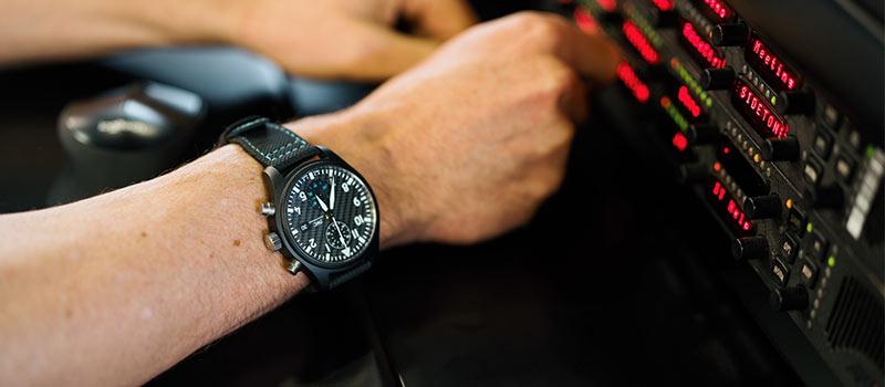 Специальное издание часов IWC Mercedes-AMG Petronas Motorsport