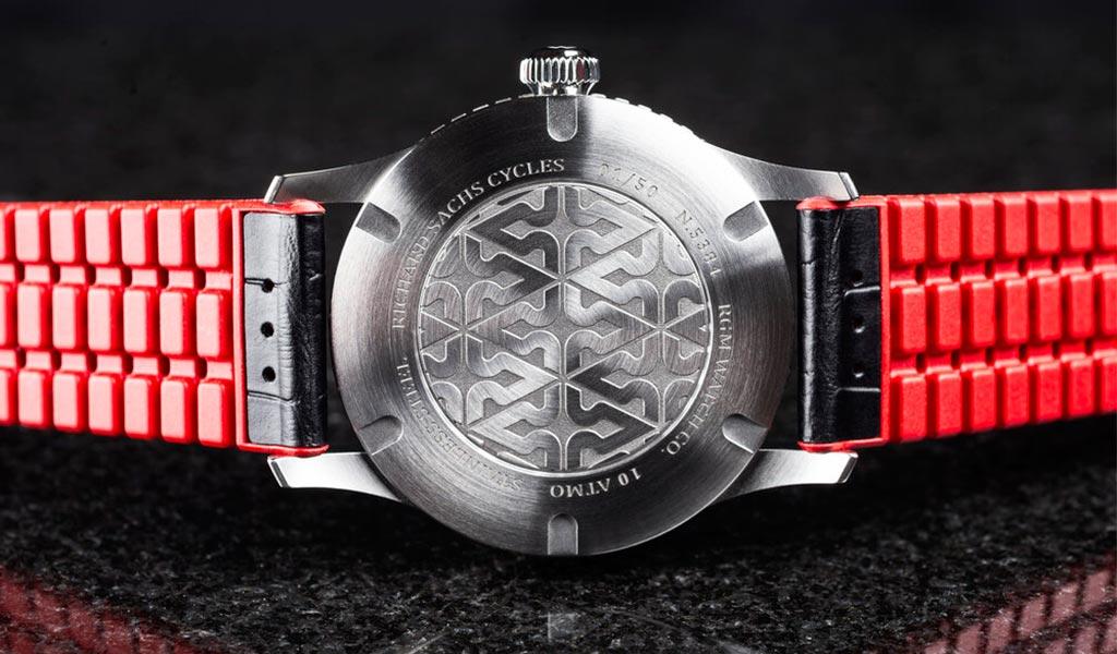 Американские часы 500-GMT-RS
