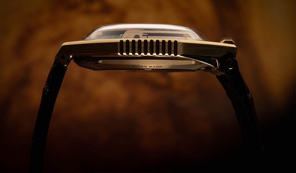 Золотые часы UR-100