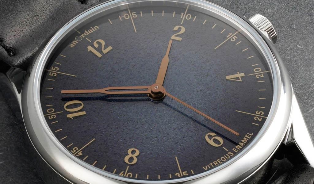 Часы с эмалевым циферблатом Model 1 Fume
