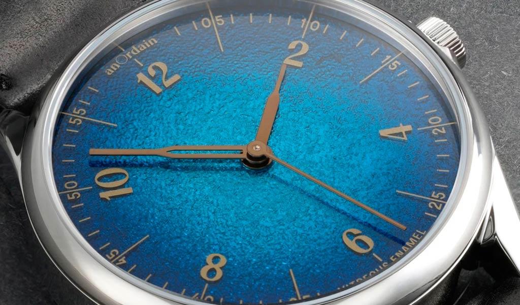 Новые механические часы с эмалевым циферблатом Anordain