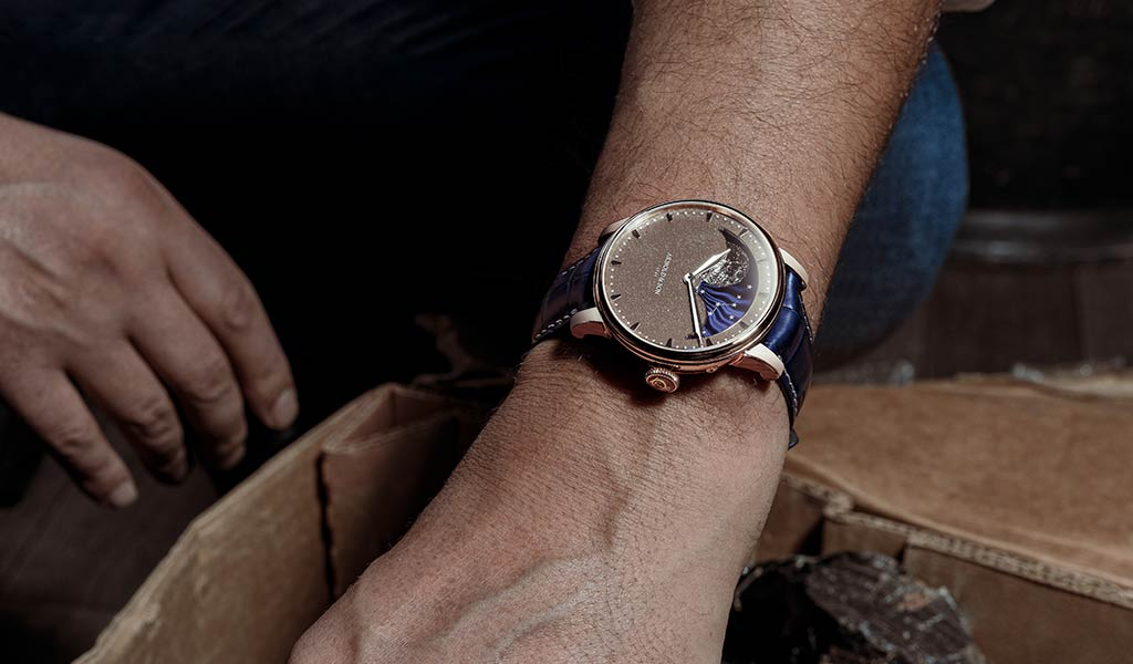 Часы с усложнением Arnold & Son Perpetual Moon Obsidian