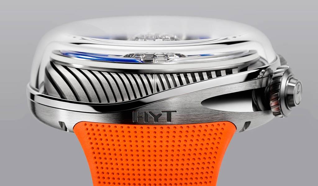 Новые наручные часы HYT Flow