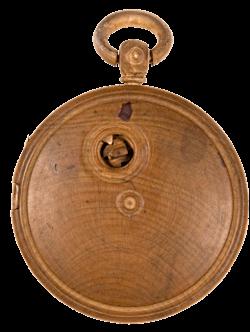 Часы изготовленные из дерева
