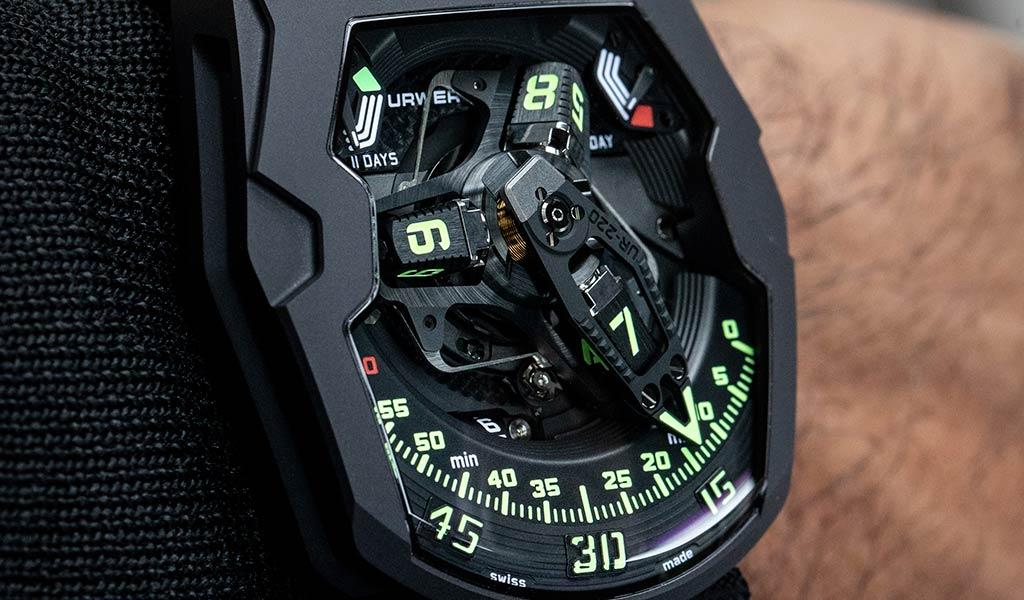 Часы URWERK UR-220