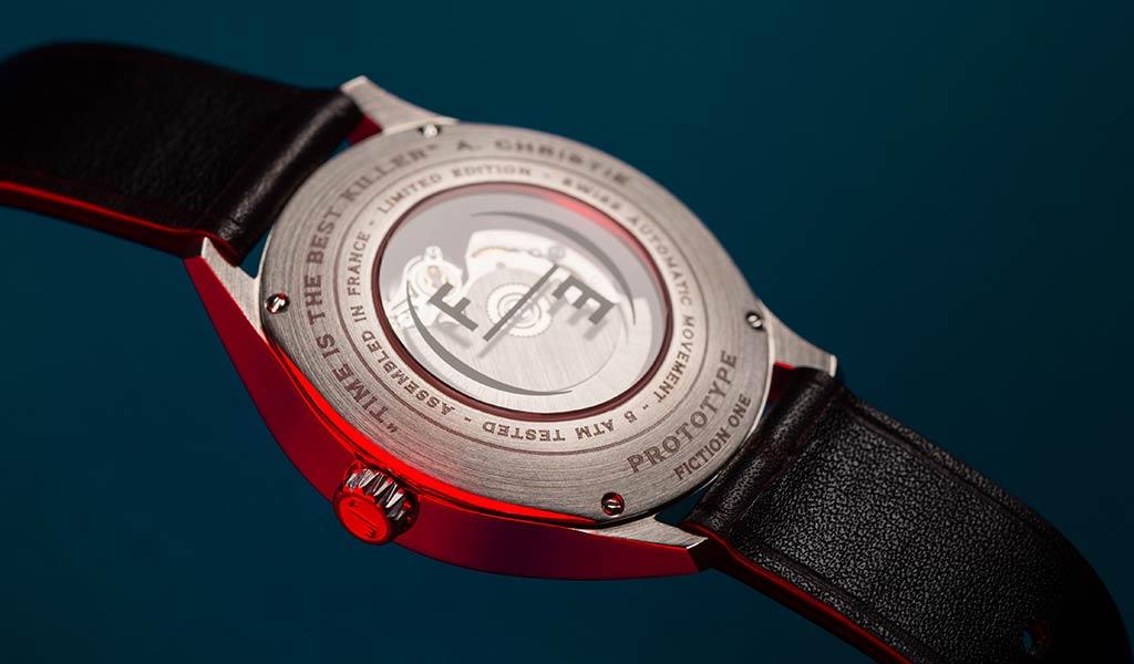 Французские часы Fiction One