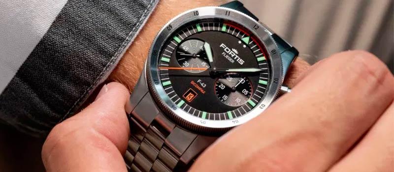 Швейцарский бренд Fortis представляет новую версию наручных часов Flieger F-43 Bicompax