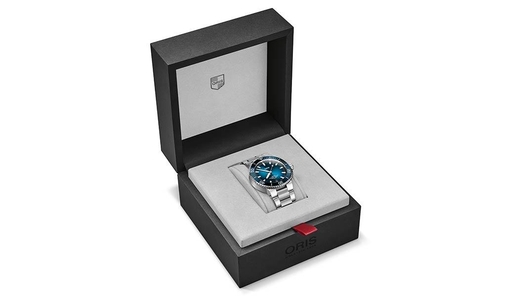 Дайверские часы Oris Aquis Date Calibre 400