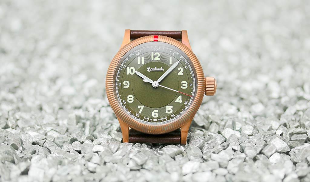 Часы с бронзовым корпусом Hanhart PIONEER One Bronze