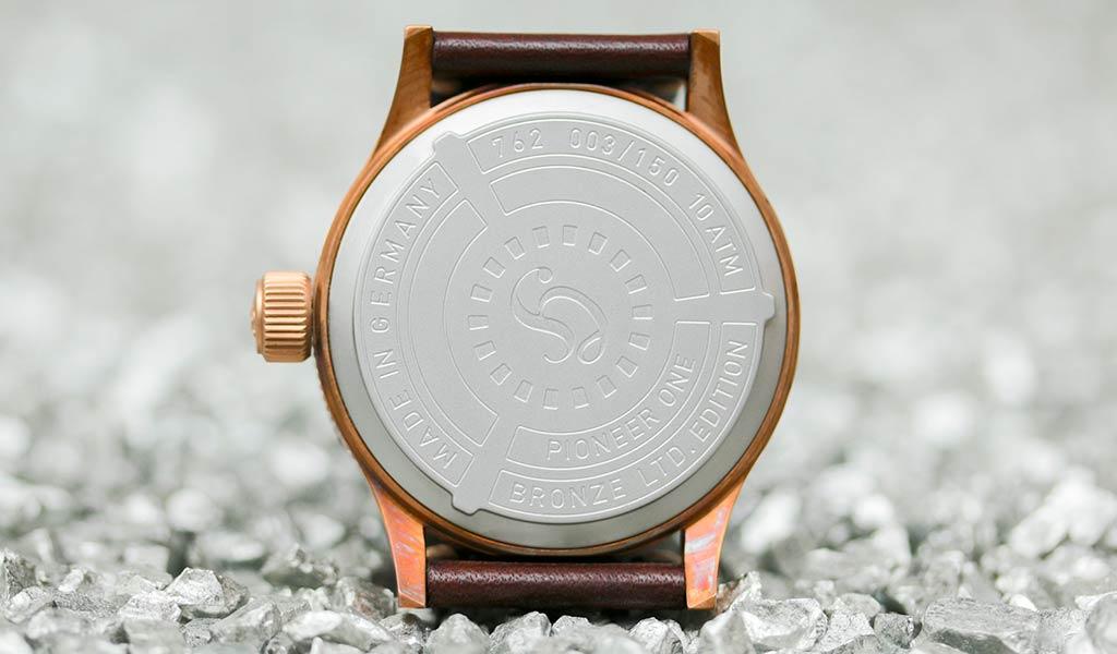 Немецкие наручные часы из бронзы Hanhart PIONEER One Bronze