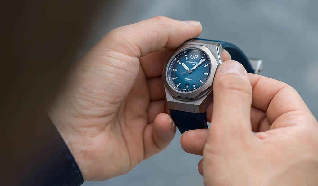 Швейцарские наручные часы Laureato Absolute Ti 230