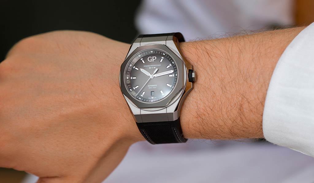 Титановые часы Girard-Perregaux