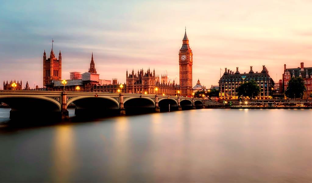 Часовая башня Лондон Биг Бен