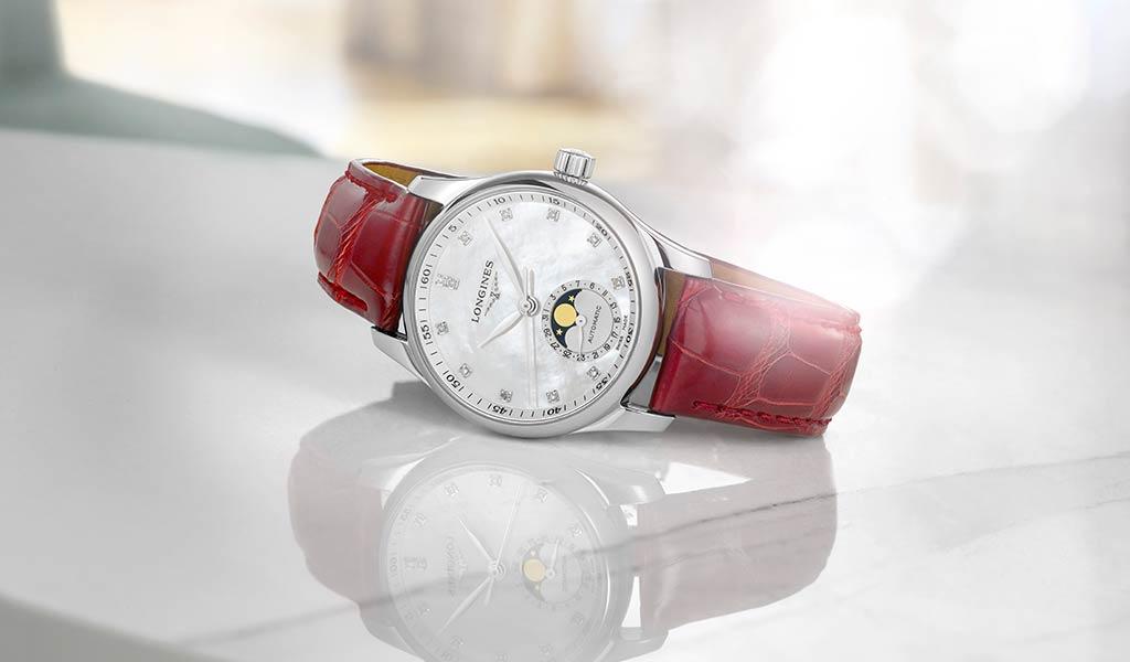 Женские часы с указателем фаз Луны Longines