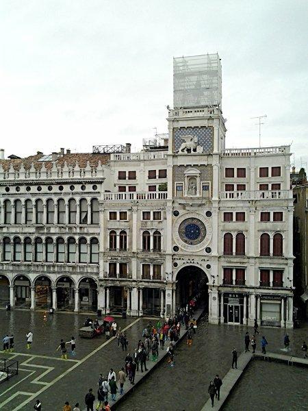 Башня с часами в Венеции