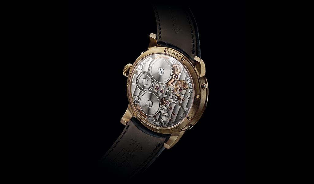 Часы с календарем Legacy Machine Perpetual