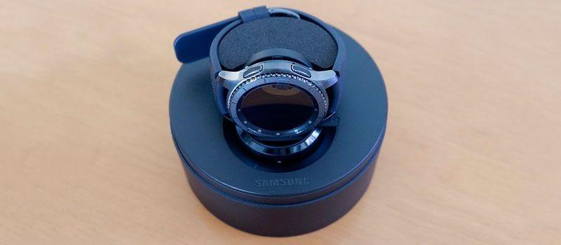 Стильные смарт-часы Samsung Gear S