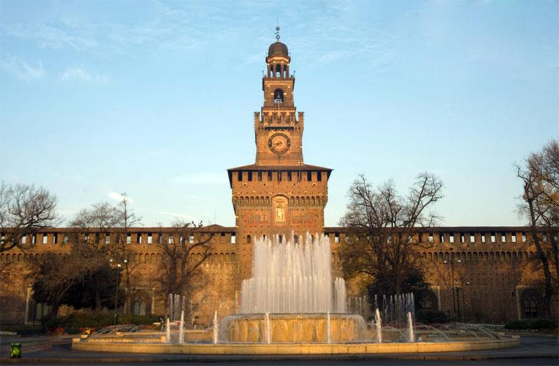 Замок Сфорца в Италии