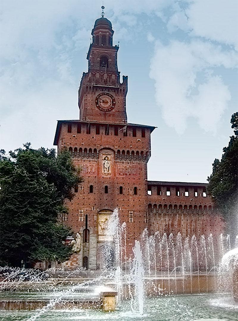 Часовая башня Милан Италия