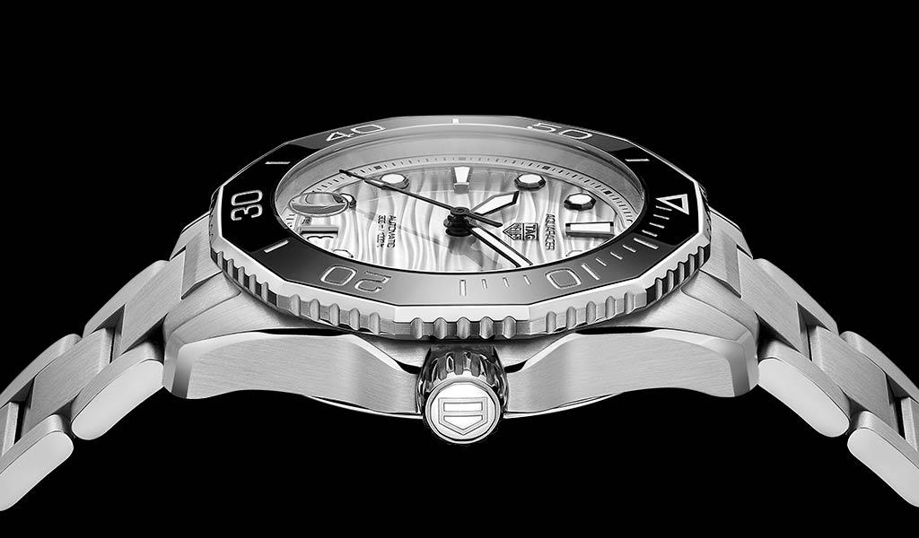Спортивные швейцарские часы Aquaracer Professional 300