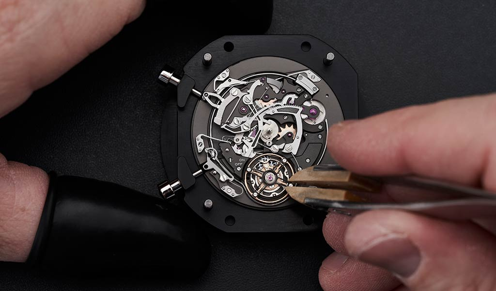 Новые швейцарские часы с боем Улисс Нардан