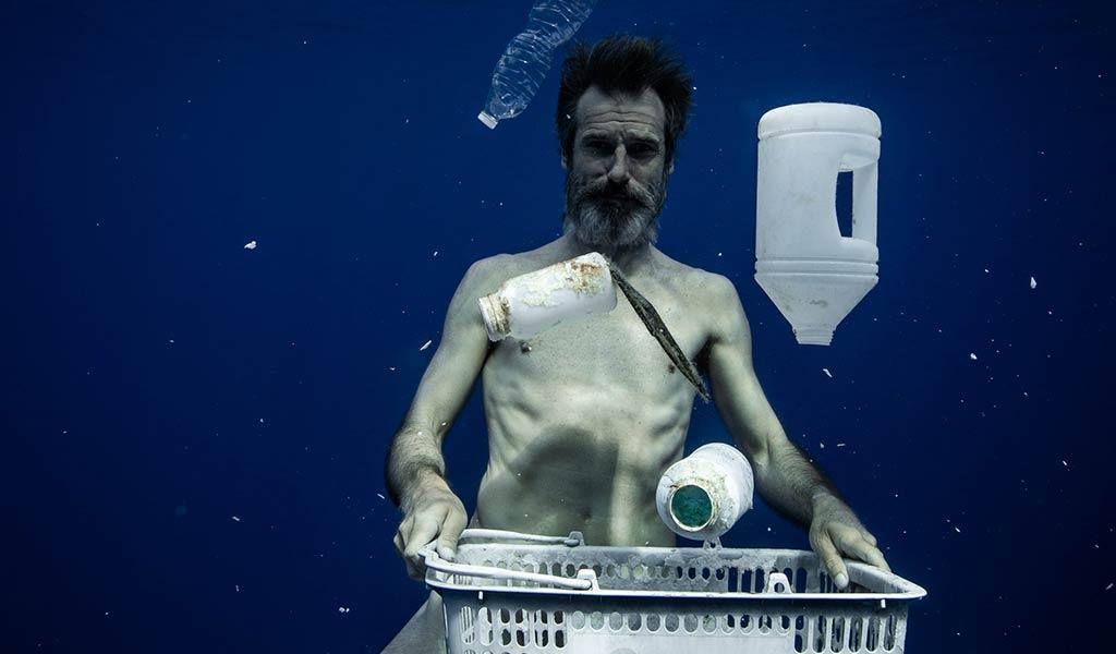 Пластик загрязняет океан