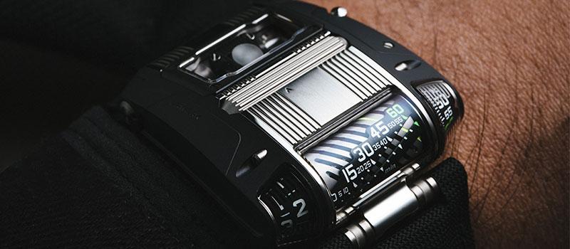 Модель-пионер URWERK UR-111C Two-Tone