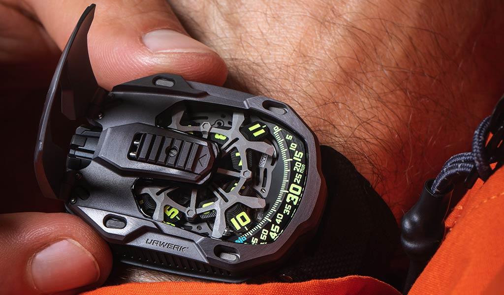 Новые часы URWERK