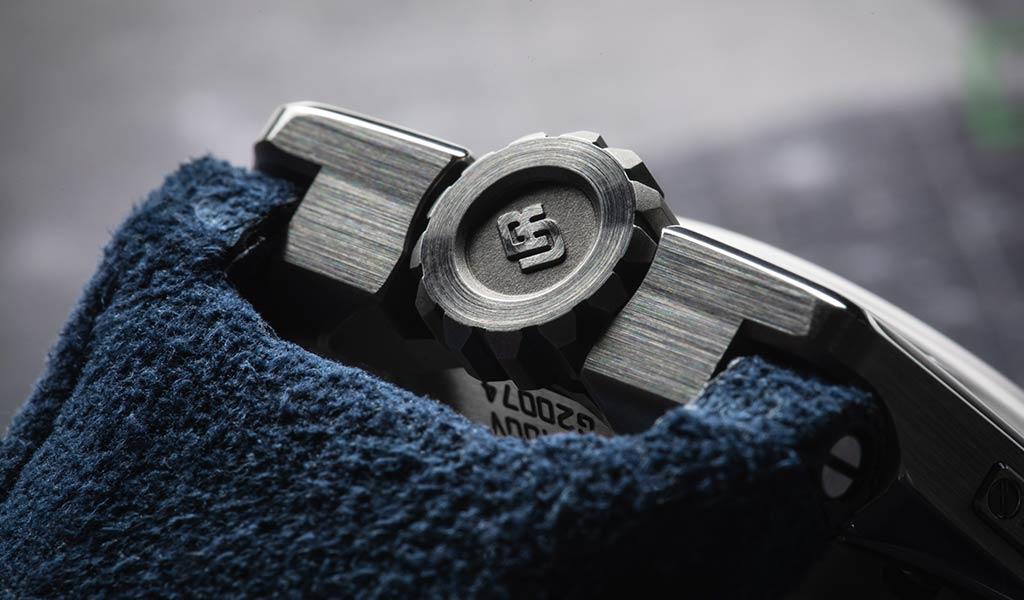 Часы механические UR-100V Iron