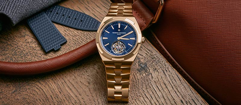 Часы Overseas с турбийоном теперь в корпусе из розового золота