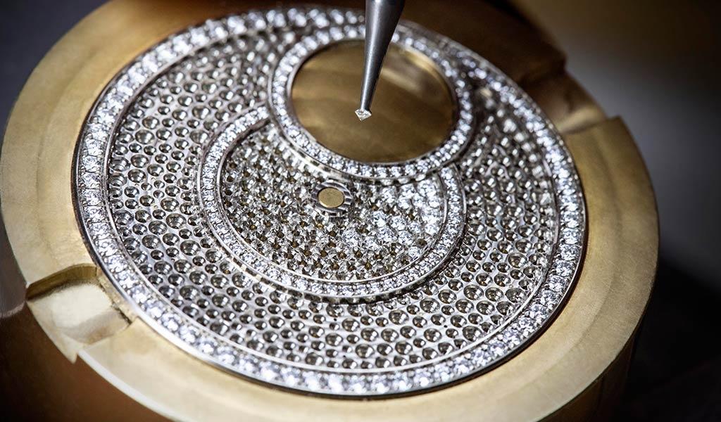 Золотые часы с бриллиантами Vacheron Constantin