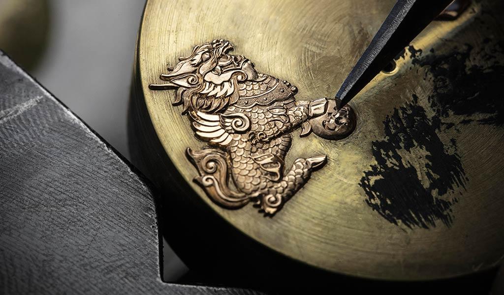 Наручные часы Traditionnelle с турбийоном