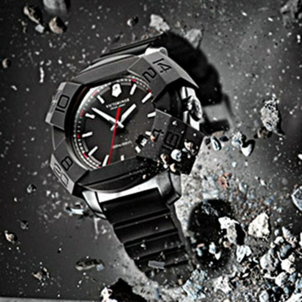 Часы Victorinox
