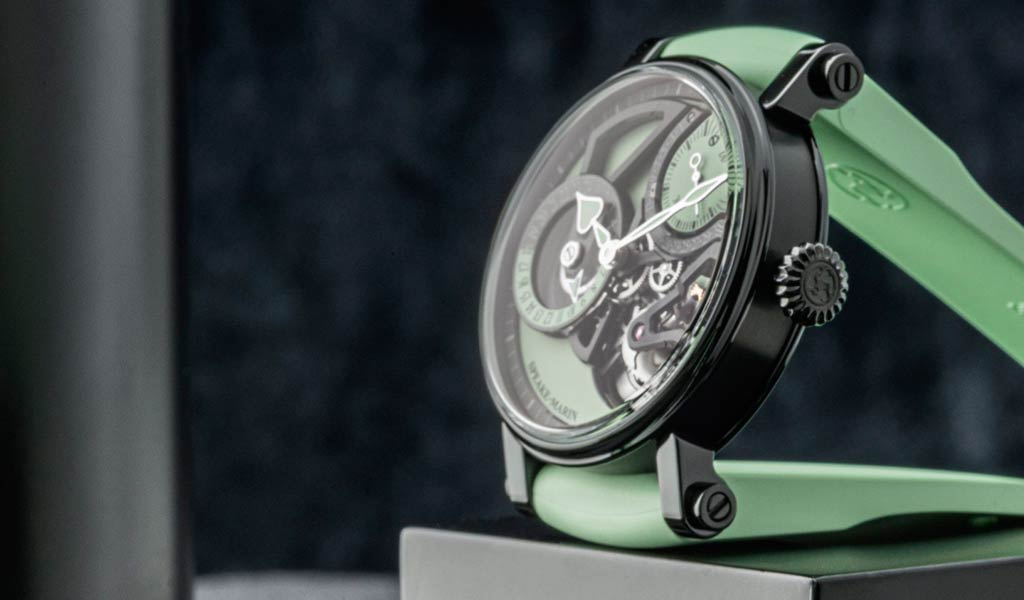 Часы двойной часовой пояс Speake-Marin